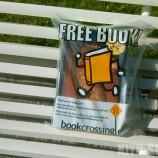 Една лавица с книги, малко помощ от приятели – раждането на Буккросинг