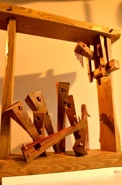 """Изложба """"Жената през ..."""" - женски образи през пластики от дърво и слово"""