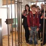 """Звезда от родния Х-Factor се затваря в клетка за премиерата на """"Полулош"""""""
