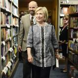 Над 1200 души си взеха автограф от Хилъри Клинтън в Саратога, САЩ
