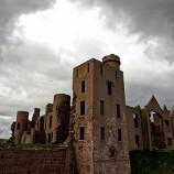 Незабравимите замъци и имения от книгите