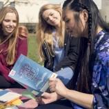 Британски лекари предписват книги в помощ на младежи с психически проблеми