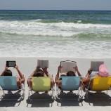 Десетте най-НЕподходящи четива за плажа