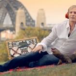 Майкъл Болтън участва в пародийна реклама на Audible