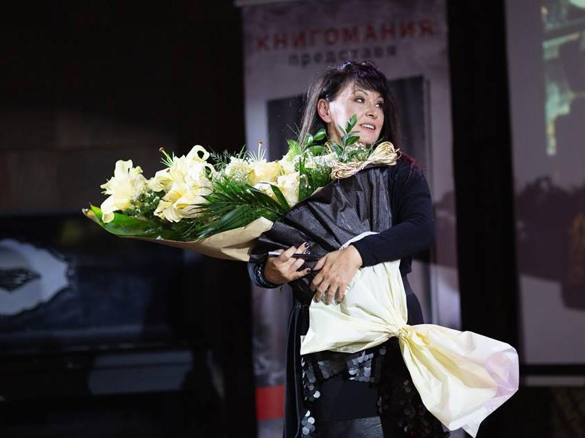 """Близо 1000 души се срещнаха с Мария Лалева на първата част от турнето """"Живот в скалите"""""""