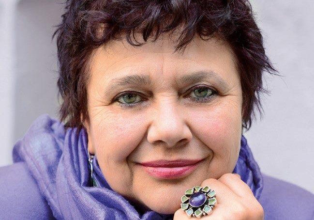 Мирела Иванова: Всяка моя книга разказва или изразява света на жената