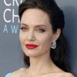"""Анджелина Джоли и """"Амнести интернешънъл"""" издават детска книга за правата на човека"""