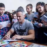 """С над 3000 деца се срещнаха българските спортисти по време на кампанията """"Походът на книгите"""" 2019"""