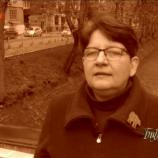 """Кадър от рубриката на Силвия Чолева """"Без покритие"""" в предаването """"Библиотеката"""" по БНТ"""