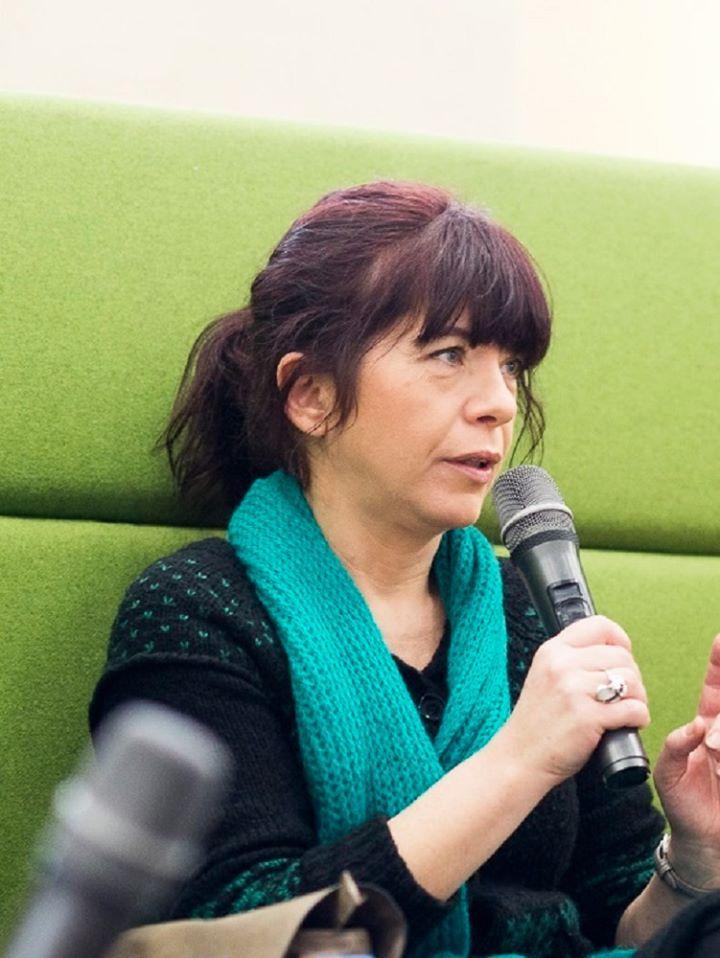 ОТМЕНЕНО: Яна Букова – поет на март в Столична библиотека