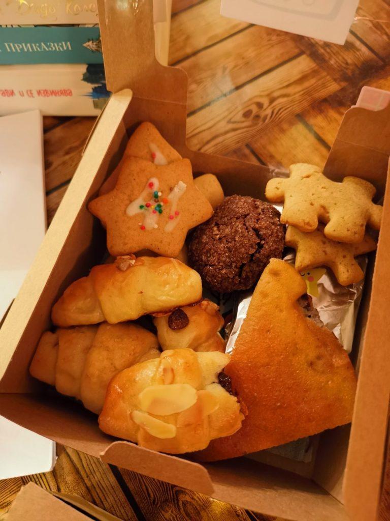 Коледна кутия на Trouble Bakers