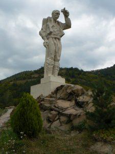 Ochindol-monument-Dyado-Yotso-3
