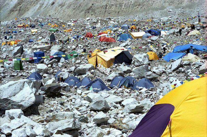Everest-base-camp-2013