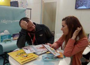 Николова разговаря с един от създателите на проекта Lost.My.Name на Панаира на детската книга в Болоня